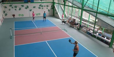 People playing pickleball at Vientos Bajos