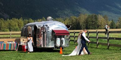 Bride and Groom at Luz Tacos Catering in Squamish, Whistler and Pemberton British Columbia Canada