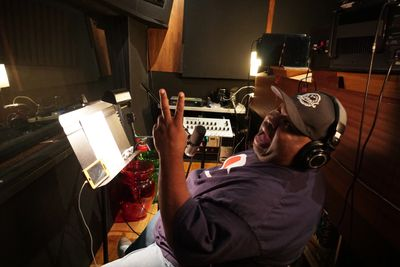 Big Lew gettin' gritty in the studio!