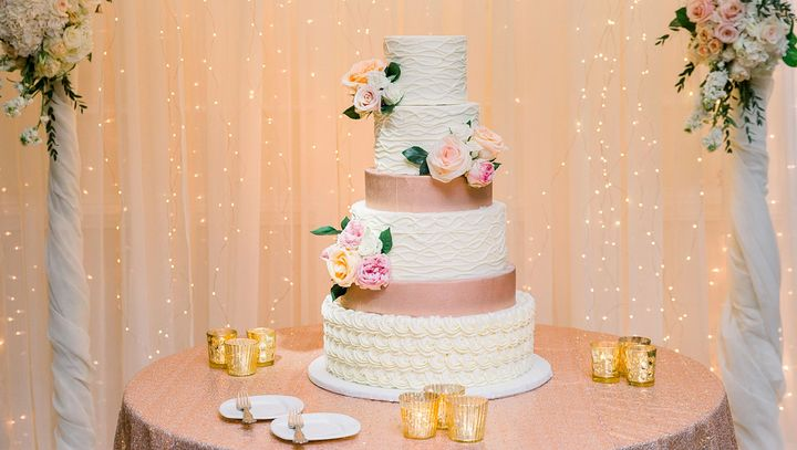 Wedding Cake with lighting and draping