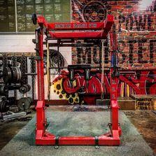 Redskins de phillip daniels opens monster garage gym critical bench