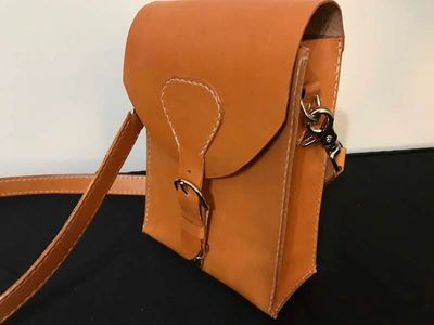 London Tan crossbody bag, custom leather bags made in Raleigh, North Carolina