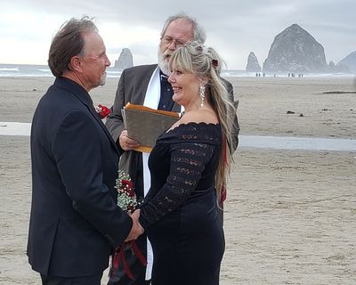 Wedding on Cannon Beach, Oregon