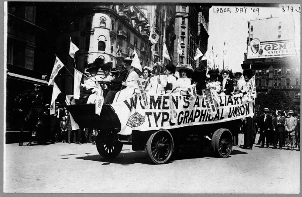 Women's Auxiliary Typographical Union, Labor Day Parade, 1909. Courtesy  the Library of Congress.