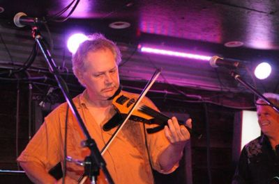 Paul Mumma on the fiddle at Knuckleheads Saloon, K.C. MO, Photo by Steve Barker
