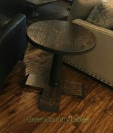 Round Top Turned leg end table