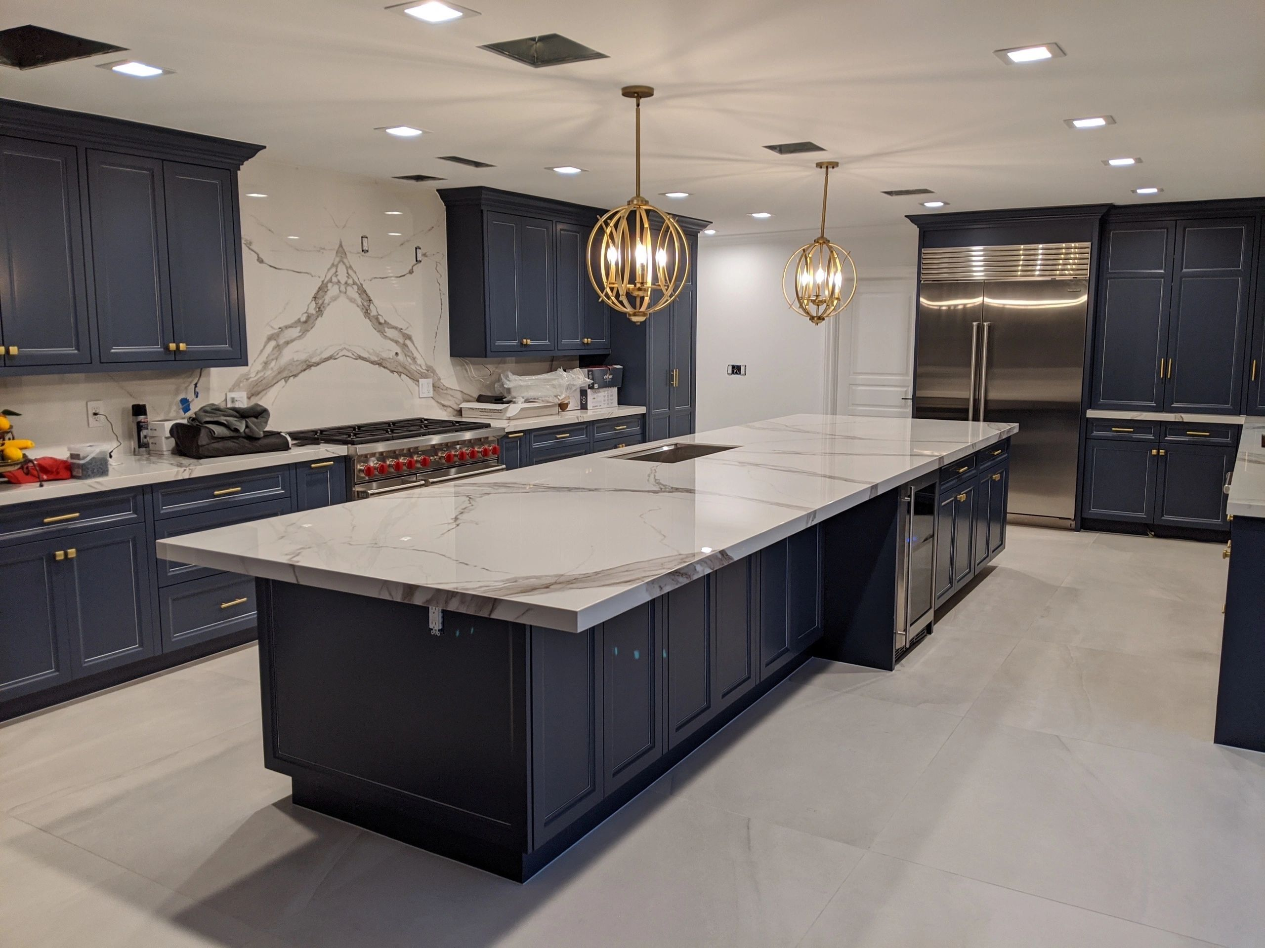 - Book-matching Porcelain Slabs For Countertop And Backsplash