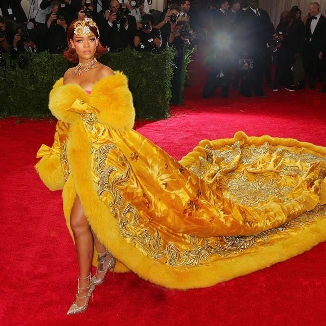 Guo Pei / China: Through the Looking Glass - Rihanna's Met Gala, 2015. (Getty Images)