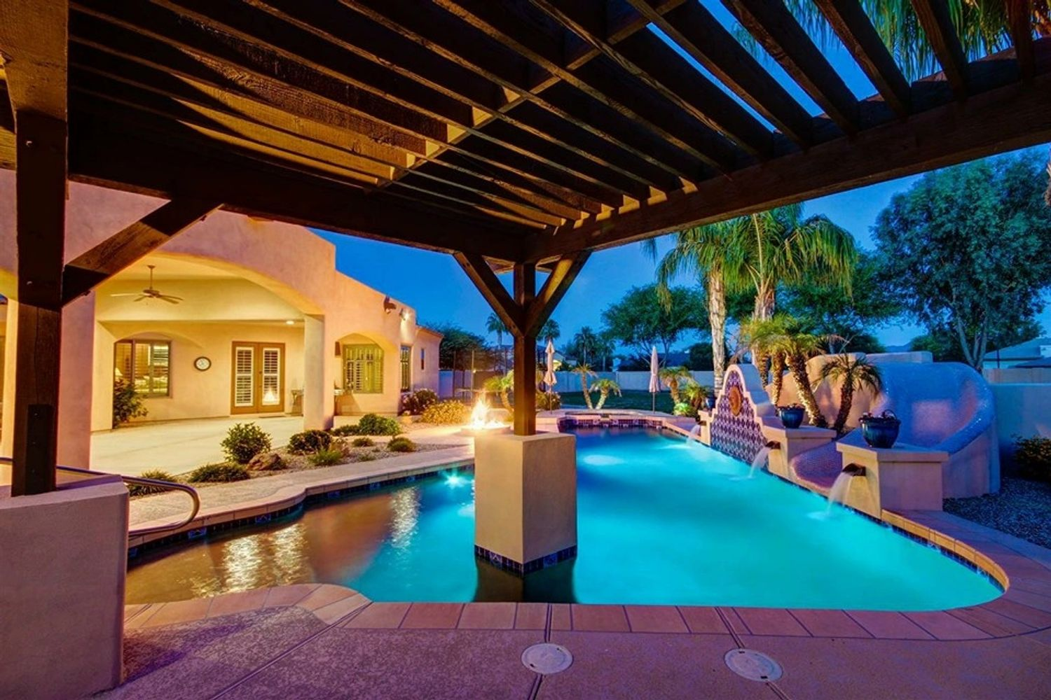 Gilbert, Chandler, and East Valley professional swimming pool repair, service, and maintenance