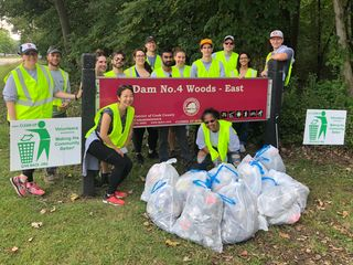 Volunteers create their own cleanup campaign.