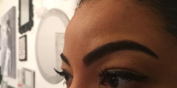 Eyebrow threading, Eyebrow tinting, Eyebrows in gravesend