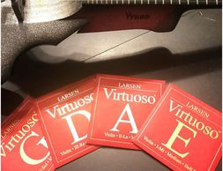 Set of Larsen violin strings