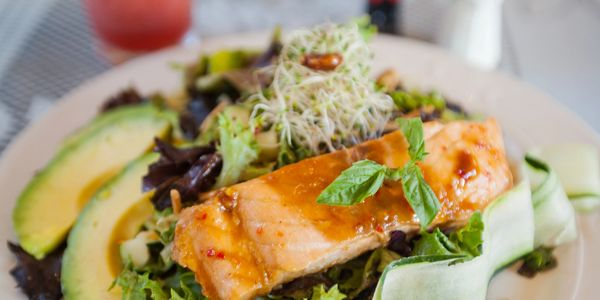 SPICY THAI SALAD WITH SALMON