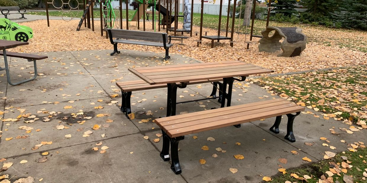 Ridgewood Picnic Table