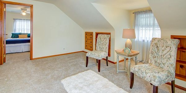 Home Staging by Janiene Palmeri. Common area in house for sale in Tonawanda.