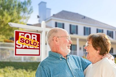 Couple excited that their house sold in WNY.