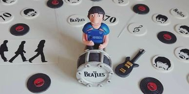 Oasis cake decorations