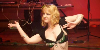 Morgan of Zuut belly dancing in Amherst NY at The Forvm