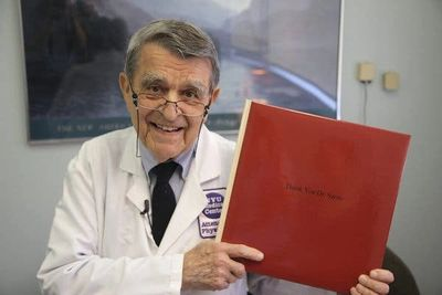 Dr John Sarno, who discovered TMS. Image from linked article. Click image for article + more info!