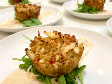 Louisiana style crab cakes for a party of 8.