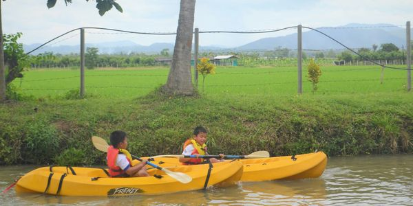 Family holiday at Le Cocotier Resort. Outdoor activities, kayaking, cycling, trek, games.