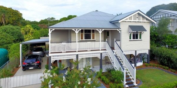 nice Queenslander house