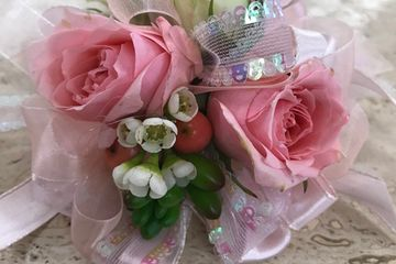 Homecoming Corsage, prom Corsage, winter formal Corsage, pink Corsage,