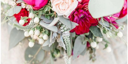 Wedding Bouquet. 2019 Wedding Flower trends. Wedding Flowers in Huntington Beach.