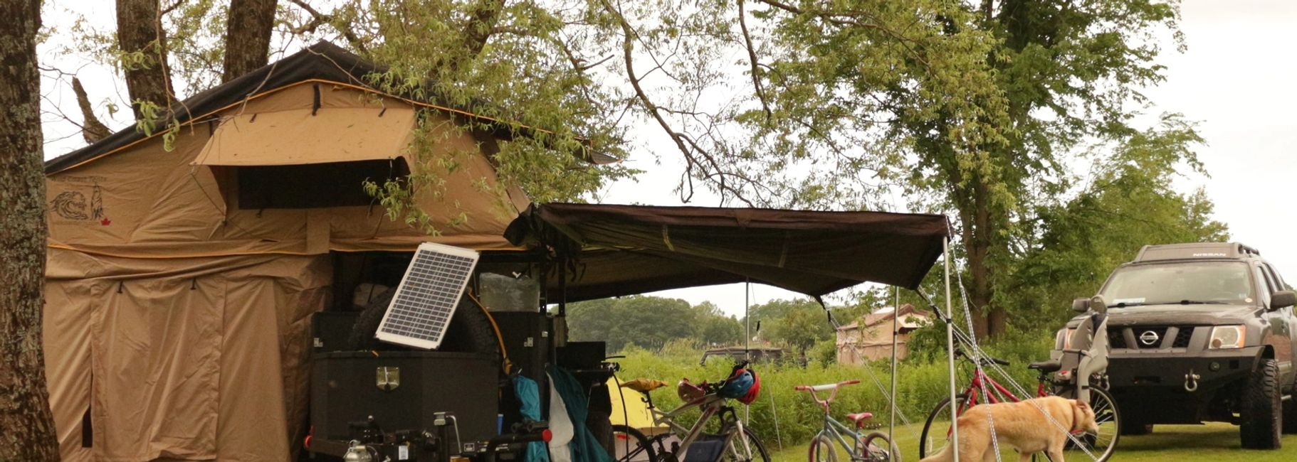 Sundog roof top Tent with an 270 Awning