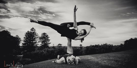 Acroyoga classes and workshops in Fremantle