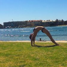 Private yoga and acroyoga classes in Fremantle