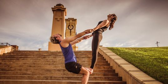 Partner Yoga, acrobatic moves with Acroyoga in Fremantle