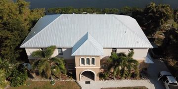 picture of a metal roof replacement in sarasta florida
