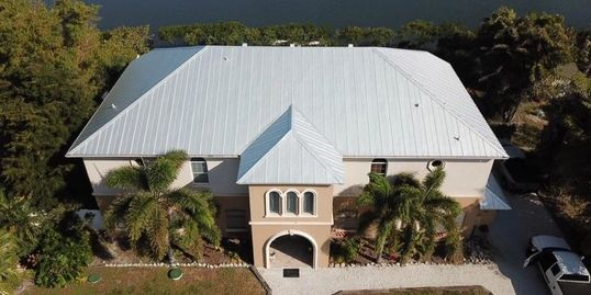 picture of a metal roof replacement in bradenton florida