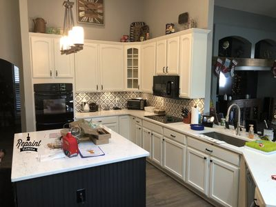 PROFESSIONAL KITCHEN CABINET PAINTING IN  ST CLOUD FL 34771