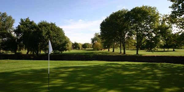 Golf club in Ealing, Uxbridge