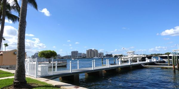 Lake Towers, 250 Bradley Place, Palm Beach, dock on the Intracoastal, bike path, condos for sale, Jacqueline Zimmerman, Realtor (561) 906-7153, Adam Zimmerman, Realtor (561) 906-7152.