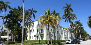 List of Palm Beach hotels, Brazilian Court Hotel