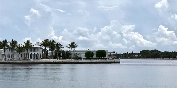 Palm Beach Island Lifestyle, a Boater Paradise, Palm Beach homes for sale with boat docks