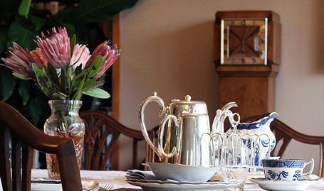 Boutique B&B Bed and Breakfast in Nelson City. Breakfast in the Dining Room included in the price.