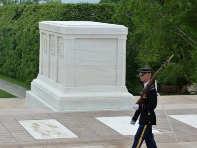 Tomb of the Unknown Soldier, Arlington National Cemetary (C) IAI 2017
