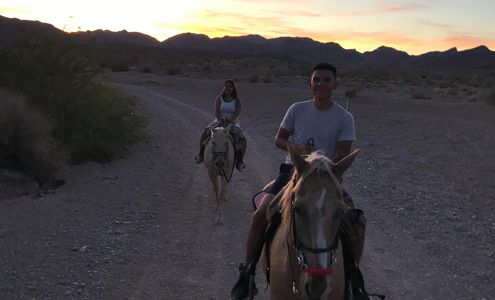 Sunset tour on horseback riding tour in Las Vegas Nevada
