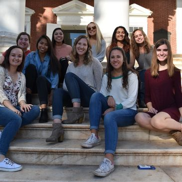 Fall photoshoot on the steps of the rotunda