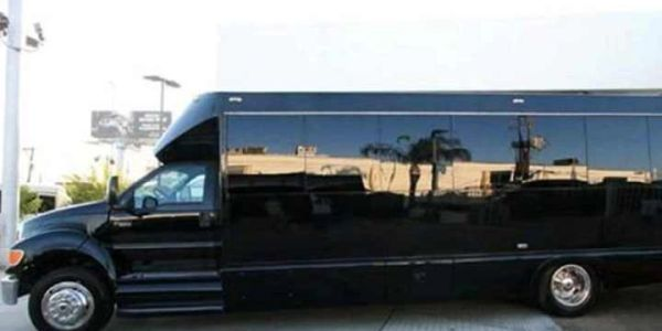Houston Shuttle Bus Service, affordable party bus rental, book Houston party bus services, prom bus