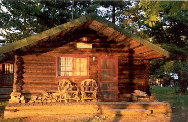 Maine Waterfront Cabins and Lodge Fishing and Hunting in Maine