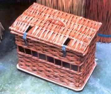 Hamper Type Animal Carriers