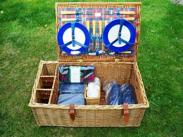 My Modern take on the Traditional 4-Person Picnic Hamper