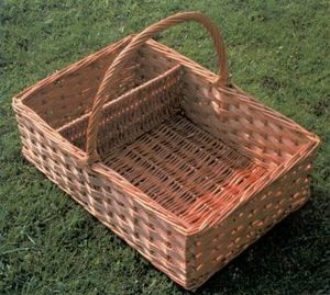 SaLarge Sandwich Basket - with divider section.