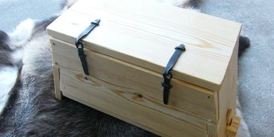 Present Past Historical Crafts - Wooden chest based on the 'Mastermayer' find