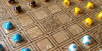 Present Past Historical Crafts - Deluxe tafl set based on viking archaeological finds